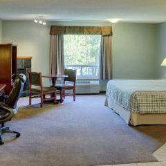 Lakeview Inn & Suites #3.jpg