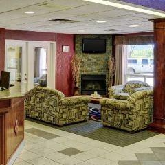 Lakeview Inn & Suites #2.jpg