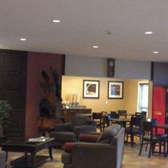 Sigma Inn & Suites Hudson's Hope 3.jpg
